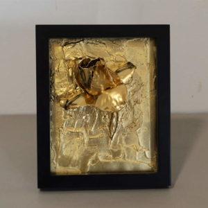Urna cuadro oro