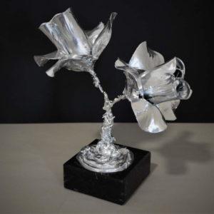 urna para cenizas dos flores plata