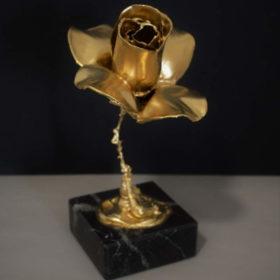 urna para cenizas flor oro